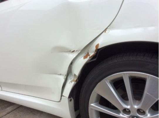 ドア・クォータパネルの損傷