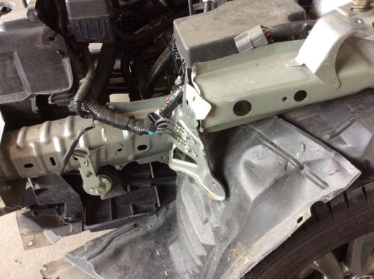 フェンダーの損傷が酷く本体はリサイクル部品で取替
