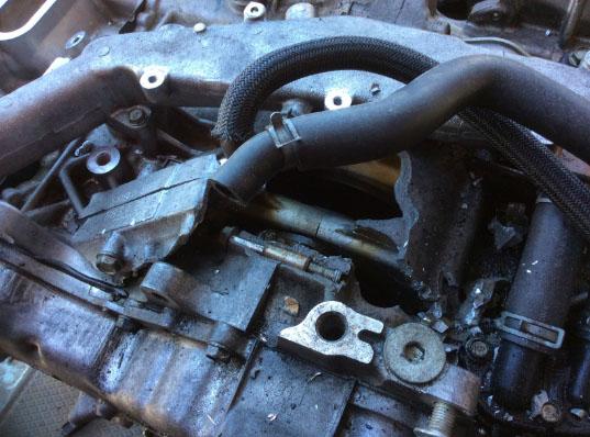 破損したエンジン